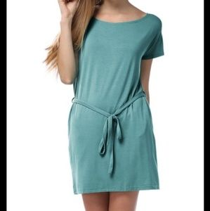 Dresses & Skirts - Soft Shift Dress
